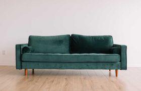 Ein sauberes Sofa nach der Polsterreingung